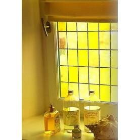 Film adhésif décoratif effet vitrail carreaux jaunes